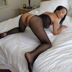 Cam sexe avec une asiatique mature en résilles à Metz